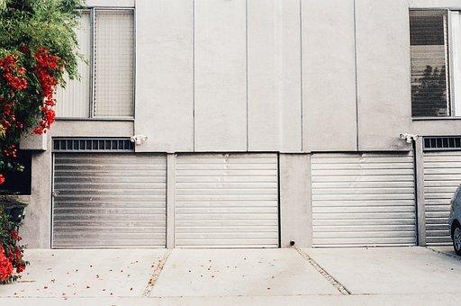 Battle of the Garage Doors: Tilt vs Sectional