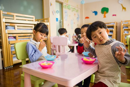 Things to consider when choosing the right childcare center for your child