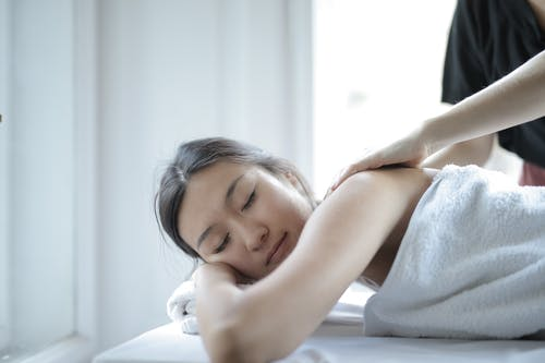 Relaxation and Rejuvenation: 5 Ways to De-stress