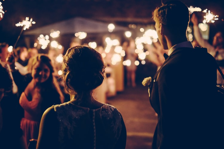 How To Have a Stress-Free Wedding Plan