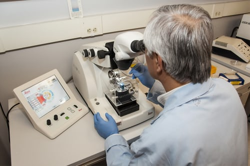 How to carry out pathology testing in a safe and effective manner