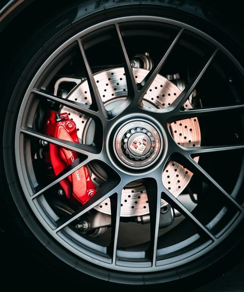 The great importance of using an electronic brake controlling system in your vehicle
