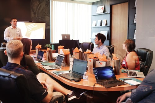 Hiring a meeting room for your business and its advantages